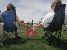 Cupsy-portable-stadium-cup-holder